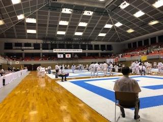 第59回西日本実業団空手道競技大会に審判員として参加しました。